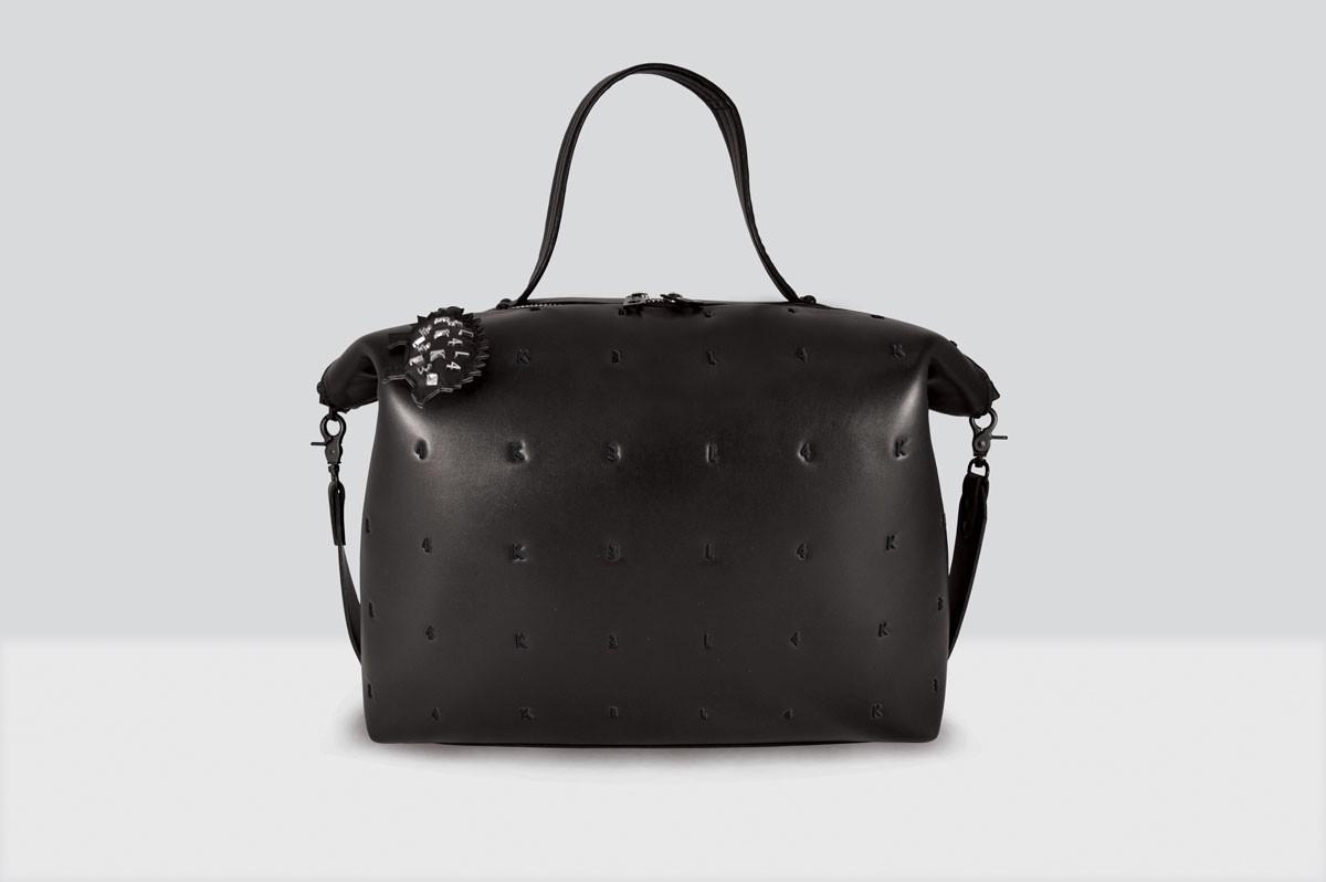 Queen Lake Bag Letters - 122 - Black/Black