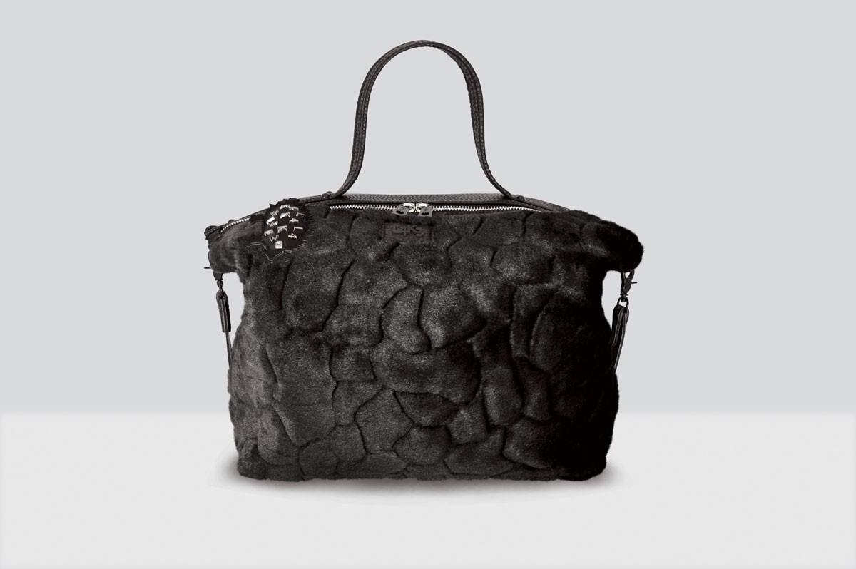 Queen Lake Bag Fur - 123 - Black