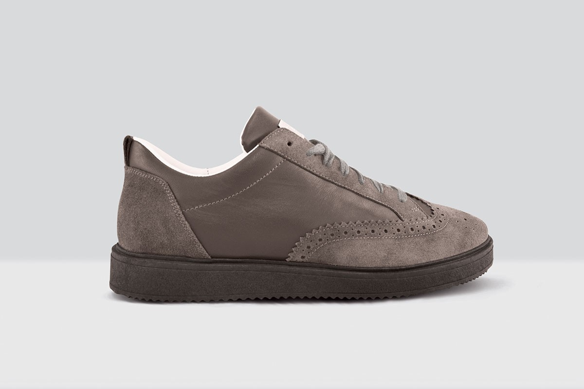 Royal Derby Nappa - 82 - Grey